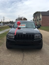Cellphones are traceable, but this Jeep is not! 2006 Grand Cherokee Laredo 126,XXX miles Walker, 70785