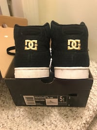 D.C. Shoes girls size 5 Needham Heights, 02494