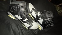 pair of black-and-white Nike basketball shoes 685 mi