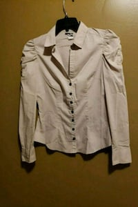 Size 6 shirt with gray buttons Lanham, 20706