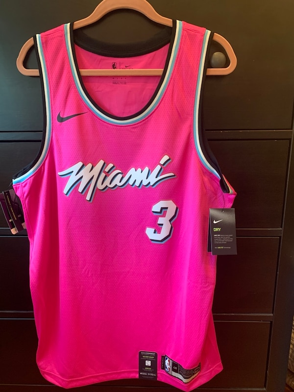 a6f56b675fa Dwyane Wade Miami Heat Nike Sunset Vice Pink Earned Edition Jersey usado en  venta en Cooper City - letgo