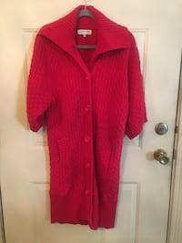 Red knitted coat.
