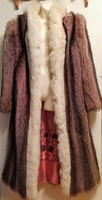LUXURY REAL FUR COAT 12 14 L Large Oakville Long Fox warm winter Oakville, L6L 6P8