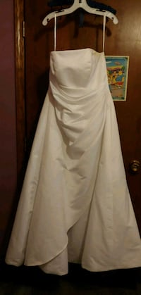 Wedding Dress Janesville, 53545