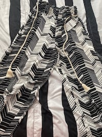 BRAND NEW FOREVER 21 PANTS SIZE M WOMEN Toronto, M6S