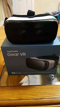 black Samsung Gear VR with box Surrey, V3S 2W9