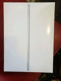 Brand new ipad 32g in wrapping 724 km
