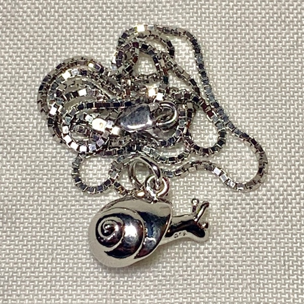 Genuine Sterling Silver Snail Pendant with Sterling Box Chain 815ff021-dde3-4b4a-829a-59fc39ccc8e2