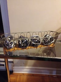 Decor: 4 steel balls in a long basket Mississauga, L5J 1V8