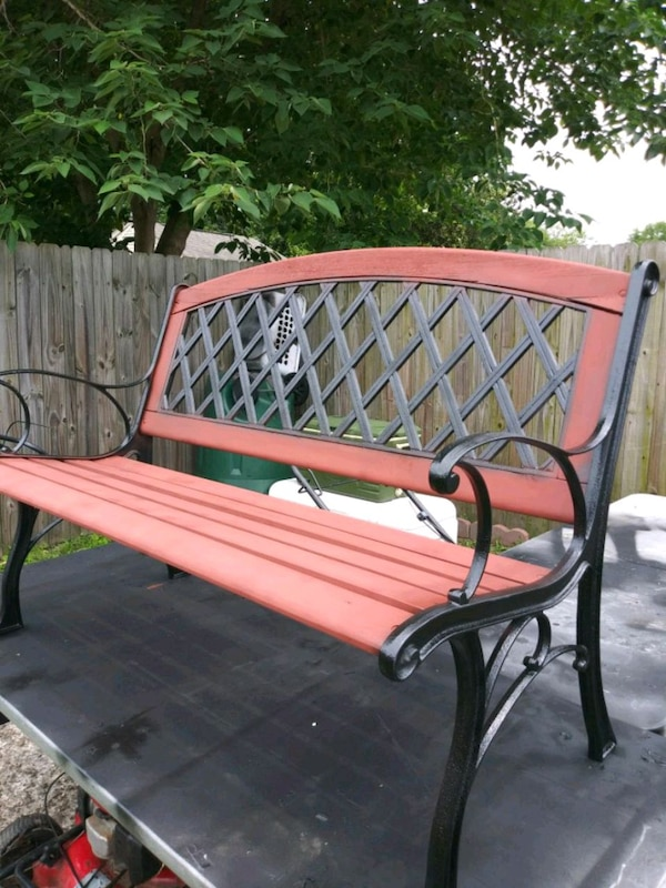 Nice park bench needs new home