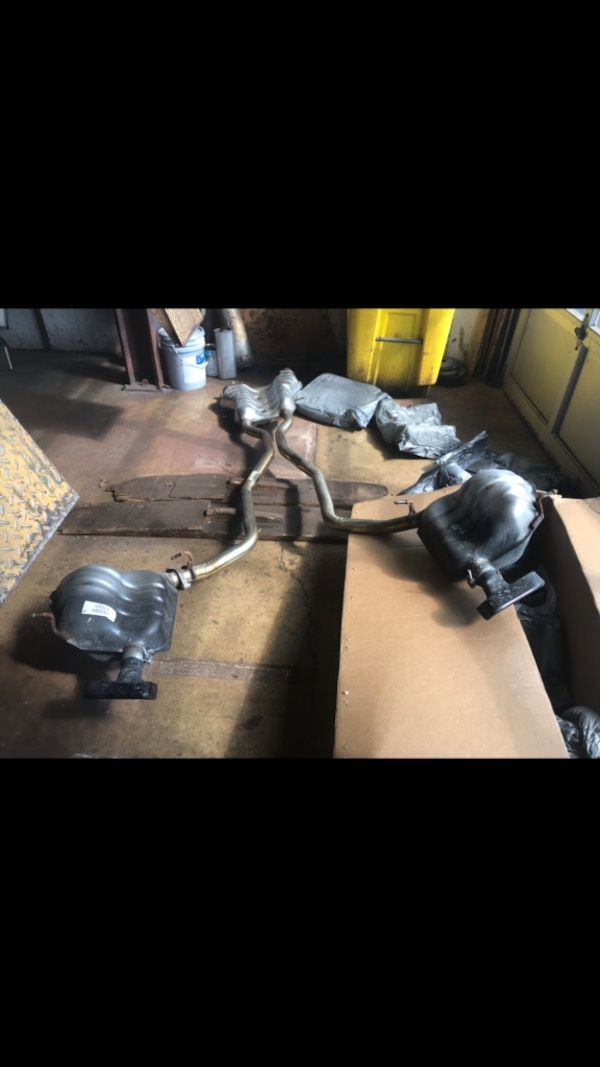 Cat back exhaust system 2,500 miles on it off a 2018 Jeep Grand Cherokee High Altitude 5.7 Hemi.