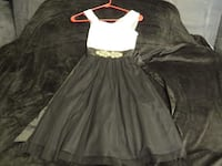 BEAUTIFUL BLACK AND WHITE SHEER ALL OCASSION DRESS SIZE 7. ASKING $25.00BEAUTIFUL BLACK AND WHITE SHEER ALL OCASSION DRESS SIZE 7. ASKING $25.00  69 km