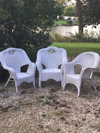 two white wicker armchairs with table Sugar Grove, 60554