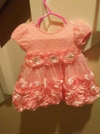 girl's pink short-sleeved dress with flower accent Morristown, 37814