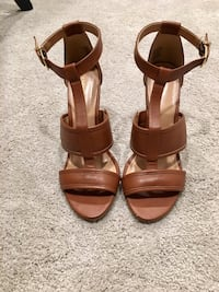 Express camel colored wedges/heels Chadds Ford, 19317