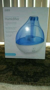 white and blue Vicks humidifier Sacramento, 95827
