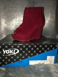 Red open toe bootie wedge size 6