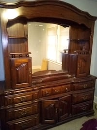 Stanley furniture mirrored hutch set