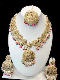 gold-colored necklace and earrings Brampton, L6R