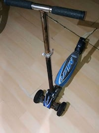 Older scooter but works great Toronto, M6H 1L6