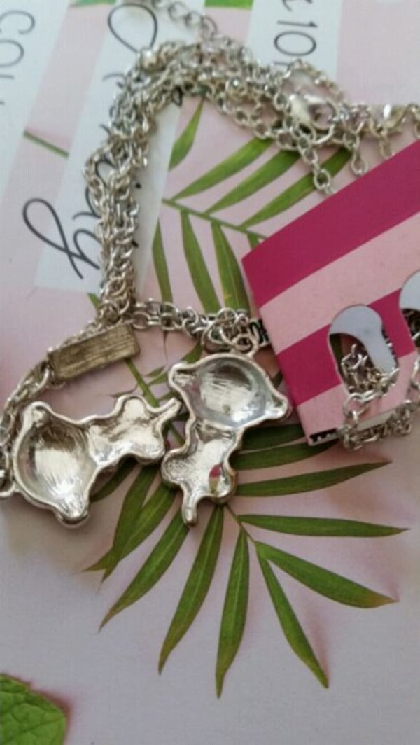 2 CHAINS WITH MONKEY CHARMS  FOR 2 FRIENDS 92b675c7-be46-4b4f-91b7-f68aca95a083