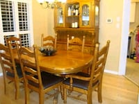 Dining table set with 6 chairs Mississauga, L5N 3V8