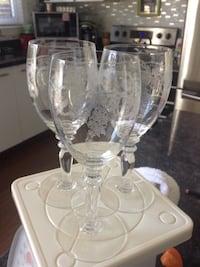 """3 etched sherry  glasses 5"""" excellent condition Toronto, M1P 4V9"""
