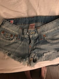 True religion shorts London, N5Y 1Y6