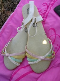 pair of gray-and-pink sandals Amarillo, 79103