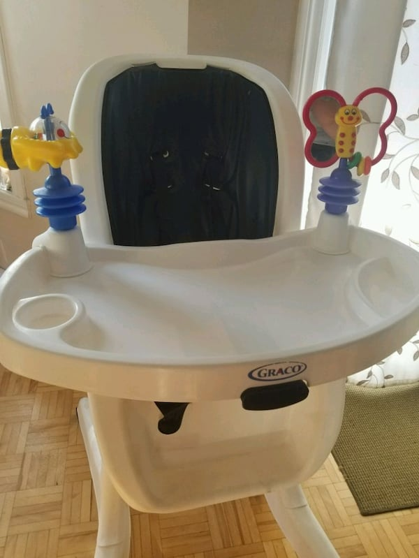 HIGH CHAIR/CHAISE HAUTE/ENFANT/KIDS/GOOD CONDITION ade1dc87-0ef6-4319-8f75-99d1200f1414