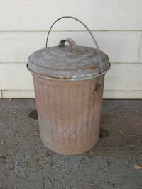 Vintage galvanized garbage can 5 gal good conditio Citrus Heights, 95621