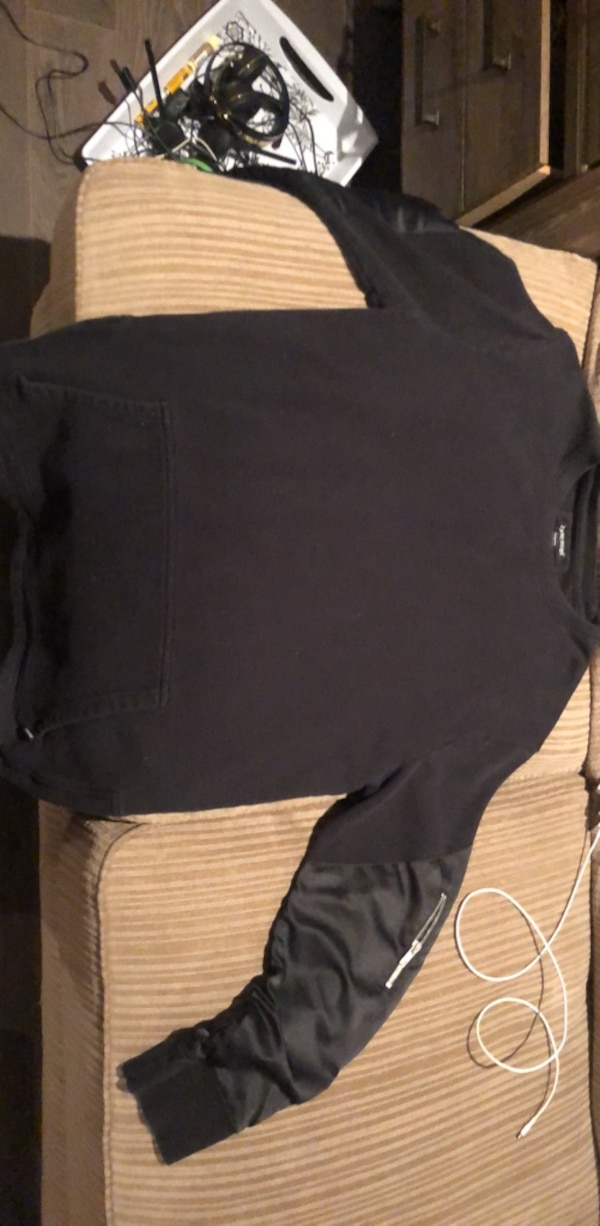 Zanerobe pull over sweater size large