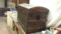 Rustic wooden chest Chilliwack, V2P 6H4