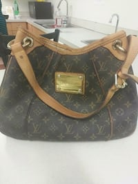 brown monogrammed Louis Vuitton leather handbag Vancouver, V6B 1B2
