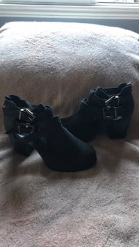 pair of black suede chunky heeled booties Los Angeles, 90059