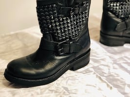 Ladies Size 7 heavy black leather studded boot
