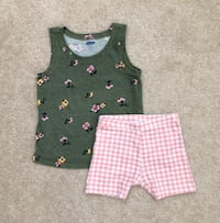 Old Navy top and shorts  Mississauga, L5M 6C6