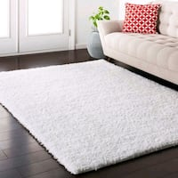 White shag area rug 5'0x7'6