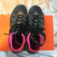 pair of black-and-red Nike basketball shoes Lower Sackville, B4C 1T8