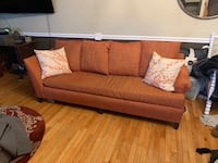 Modern couch 75 Leesburg, 20175