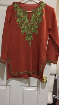 Red and green floral long sleeve dress Iselin, 08830