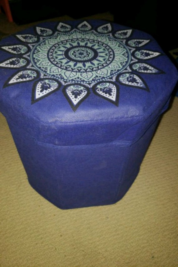 Foldable ottoman with storage