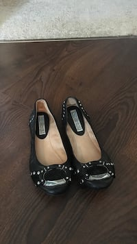 Pair of black leather flats Calgary, T3A 3R8