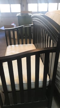 Baby's brown wooden crib Woodbridge, 22192