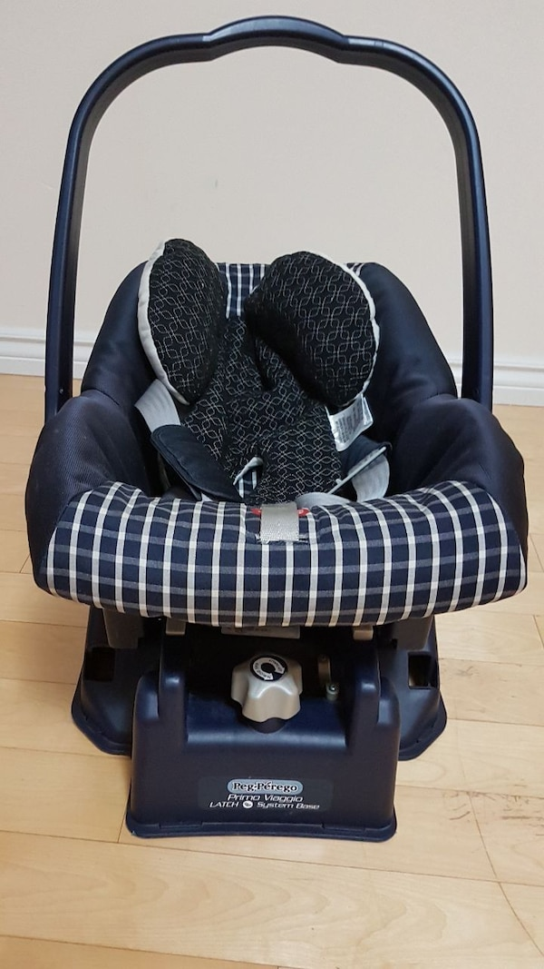 baby's black car seat carrier
