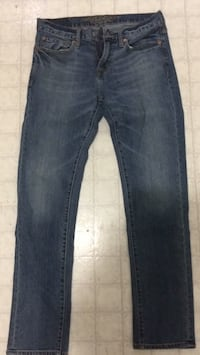blue denim straight cut jeans Wallaceburg, N8A 4P4