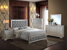 NEW 5 PCS SILVER QUEEN BEDROOM SET WITH MIRROR ACCENTS