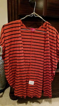 black and red stripe scoop neck long sleeve shirt Fort Belvoir, 22060