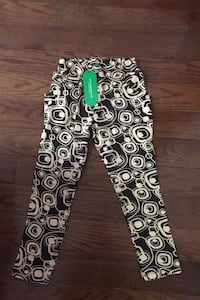 Brand NEW girls pants- size 6 Mississauga, L4Z