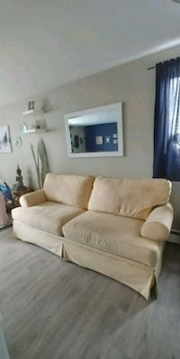 Couch and love seat  Winnipeg, R2V 2G6